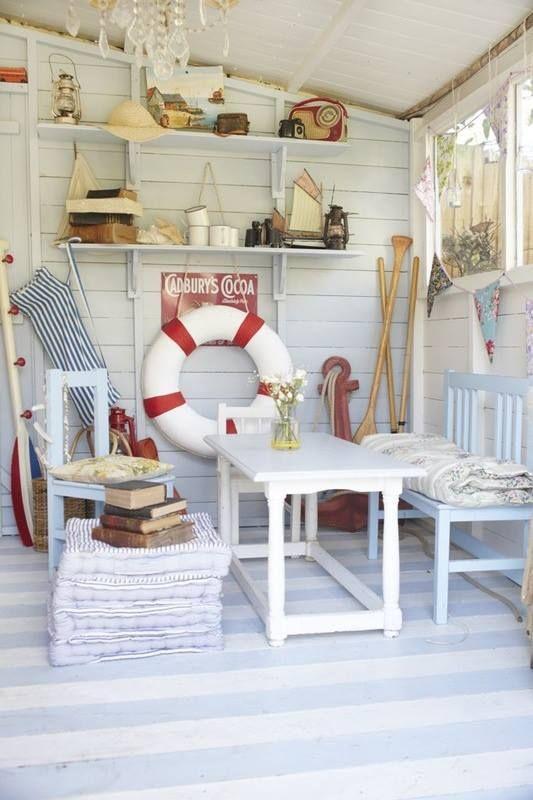 Beach hut interior design and decorate for Beach hut designs interior