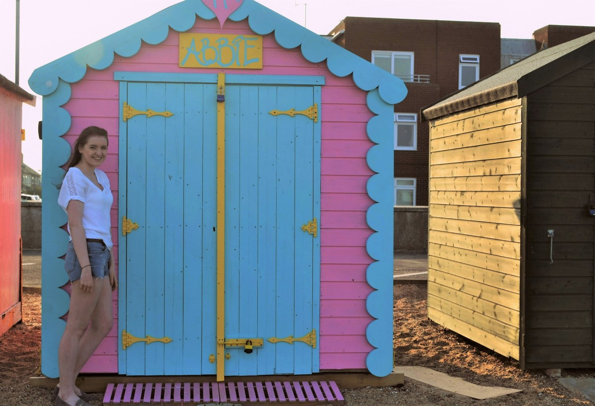 front row beach hut hire Felixstowe Suffolk - Abbie