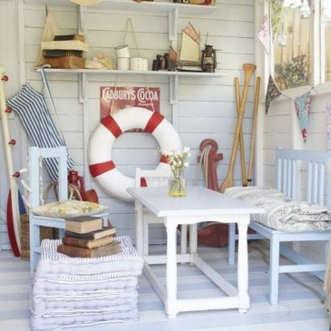 Beach_Hut_Interior_Decor