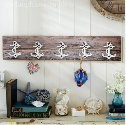 Gifts for a beach hut fan - anchor hooks live laugh love