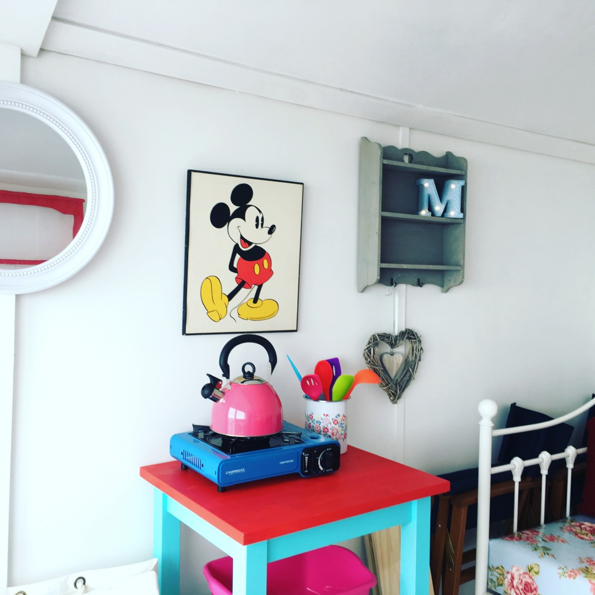 Mickey Mouse Beach Hut Hire EAstcliff Walton on the Naze Essesx