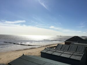 Looking for a Beach Hut Hire in Walton-on-the-Naze?  Southcliff vs Eastcliff: Which is Best? (Reviewed)