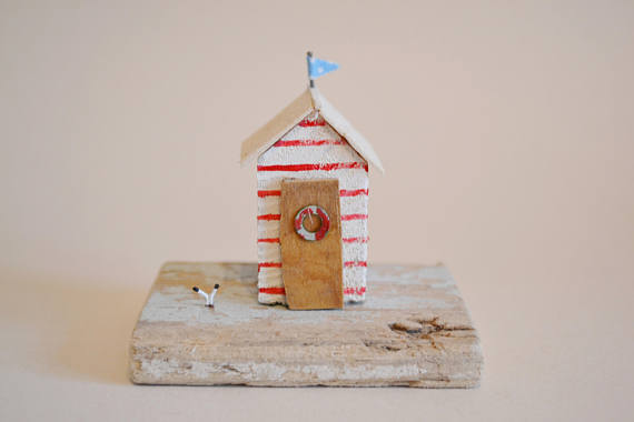 Beach Hut Decor: Handmade Driftwood Beach Hut Hello Sunshine Designs