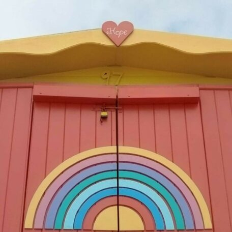 beach-hut-hire-millies-beach-huts-hope-rainbow-hut-southcliff-walton-on-the-naze-essex