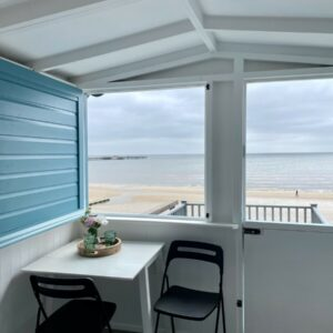 walton-on-the-naze-essex-beach-hut-hire-high-tide-millies-beach-huts
