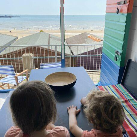 the-hideaway-beach-hut-hire-southcliff-walton-on-the-naze-essex