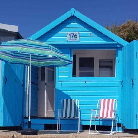 bonnie-lass-walton-on-the-naze-beach-hut-hire-essex